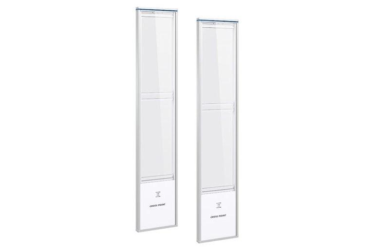 nexus-am30-white-reflection