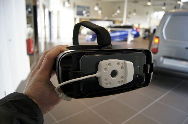 Neem virtueel plaats achter het stuur van uw nieuwe Peugeot dankzij de VR-oplossing van EAS-Resatec