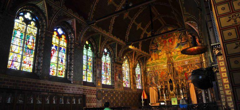 Location Flanders - Brugge: Interieur Basiliek van het Heilig Bloed